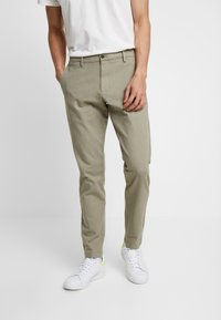 DOCKERS - SMART FLEX TAPERED - Kangashousut - doyle earth moss - 0