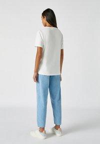 PULL&BEAR - Print T-shirt - white - 2