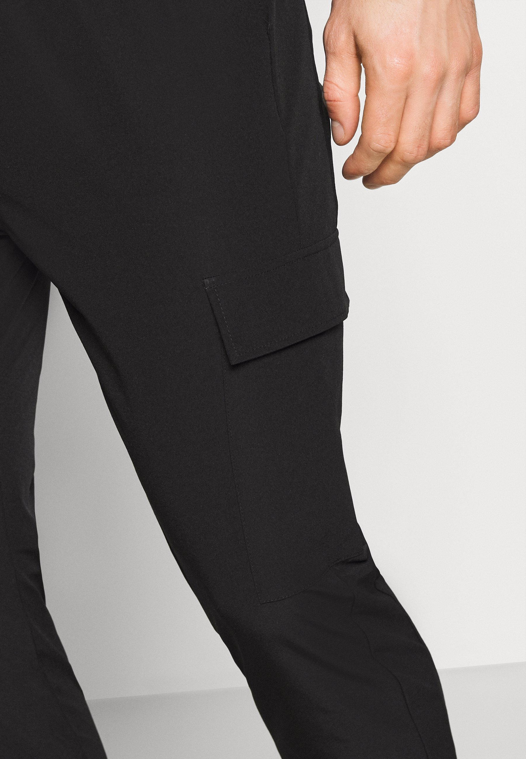 Just Junkies OLIVER PANTS - Pantalon cargo - black