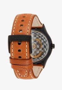 Swatch - SISTEM THOUGHT - Zegarek - black/cognac - 2