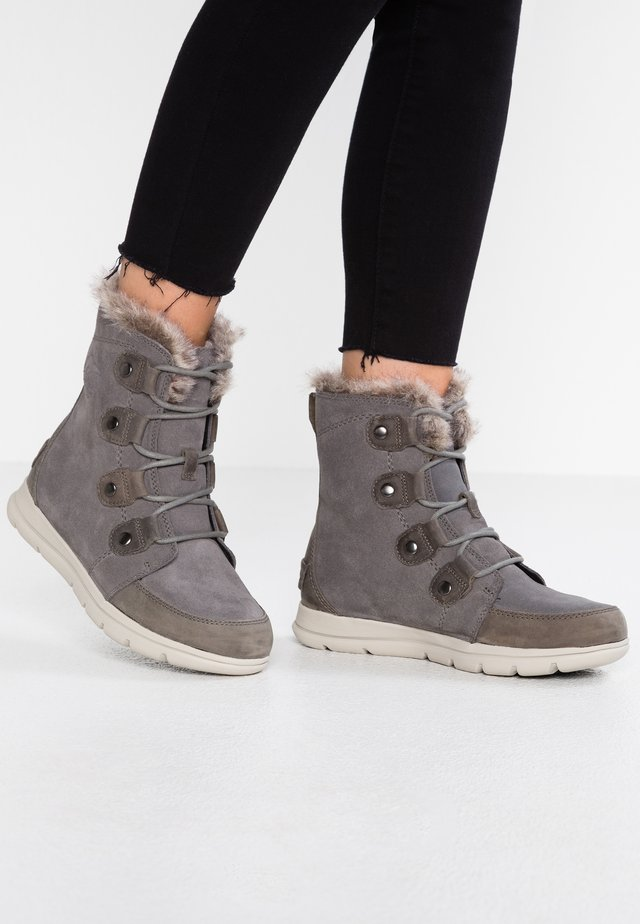 EXPLORER JOAN - Winter boots - quarry/black