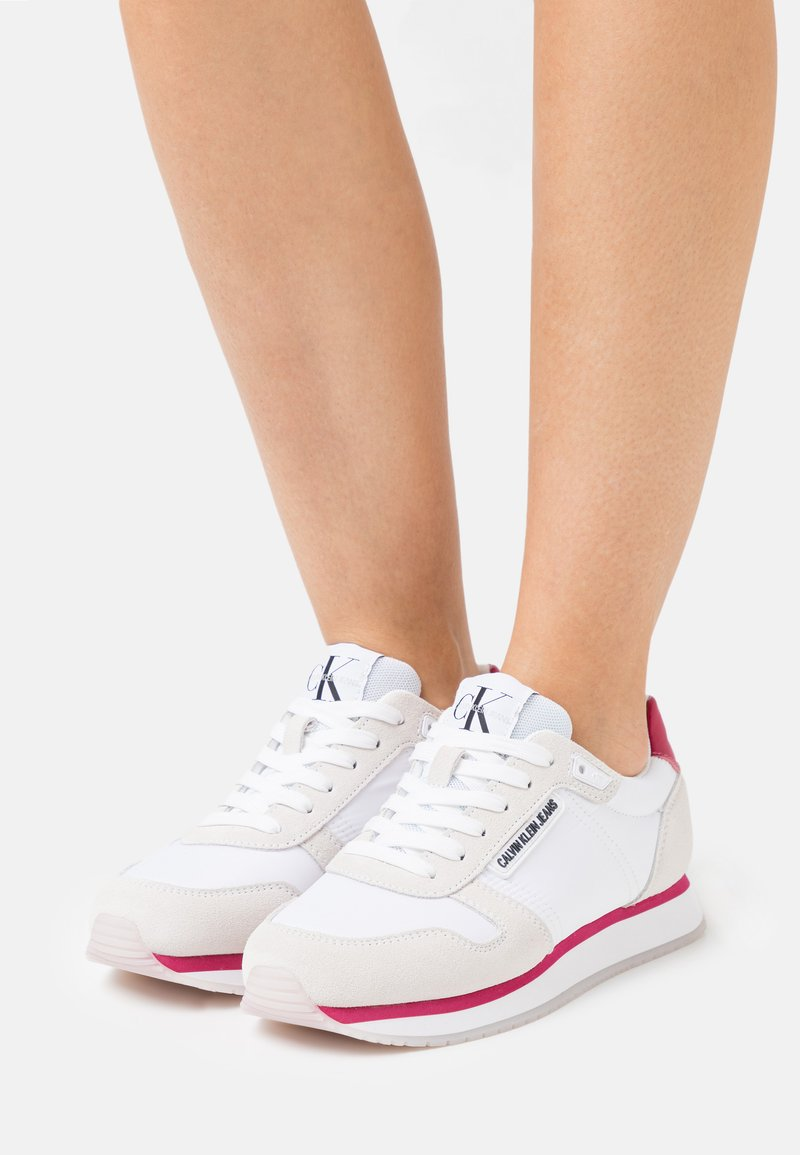 Calvin Klein Jeans - RUNNER LACEUP  - Tenisky - bright white