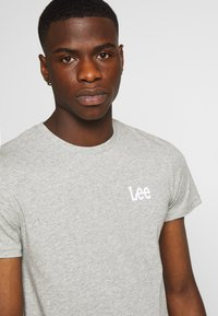Lee - TWIN PACK - T-shirt z nadrukiem - black/grey - 5