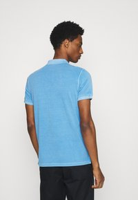 Marc O'Polo - SHORT SLEEVE BUTTON PLACKET COLLAR AND CUFF - Polo shirt - azure blue - 2