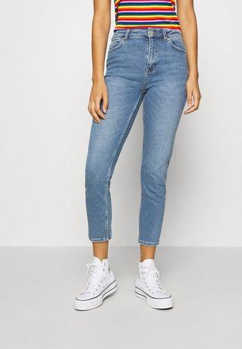 ONLERICA LIFE MID ANK - Jeans straight leg - light blue denim