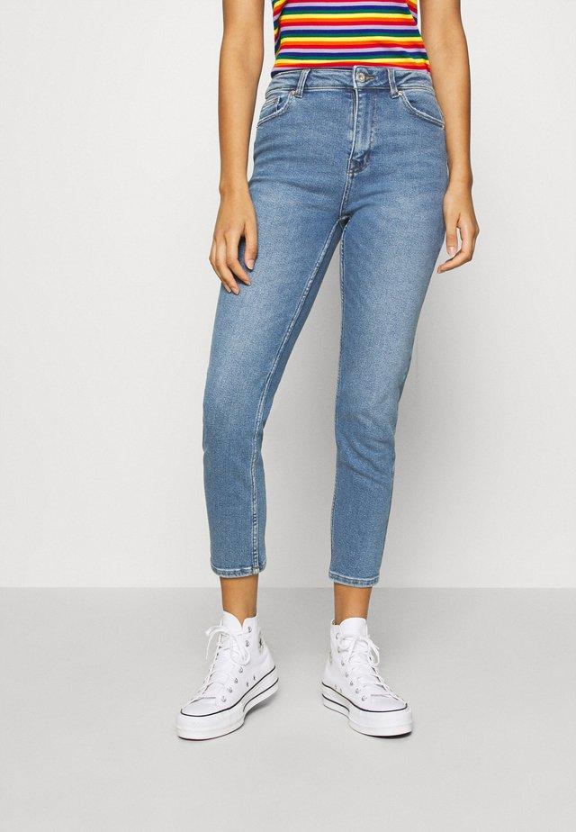 ONLERICA LIFE MID ANK - Straight leg jeans - light blue denim