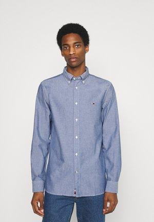 CLASSIC OXFORD - Camisa elegante - yale navy