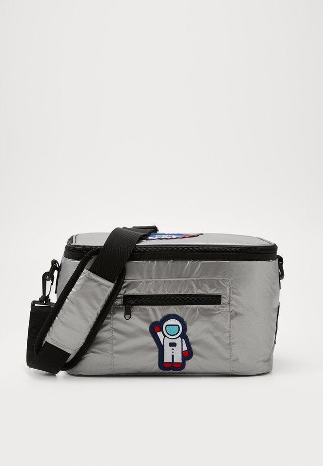 NASA COOLING BAG - Treningsbag - silver
