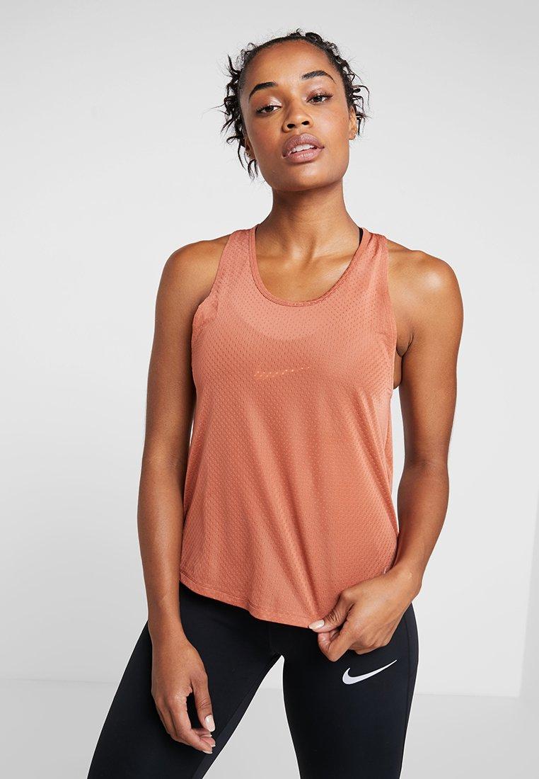Nike Performance - MILER TANK BREATHE - Camiseta de deporte - dusty peach/reflective silver