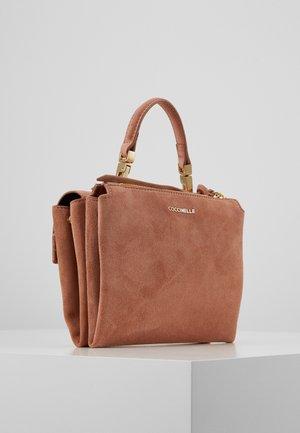 ARLETTIS SATCHEL - Handbag - litchi