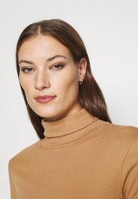 Dorothy Perkins - ROLL NECK 2 PACK  - Long sleeved top - black/camel - 5