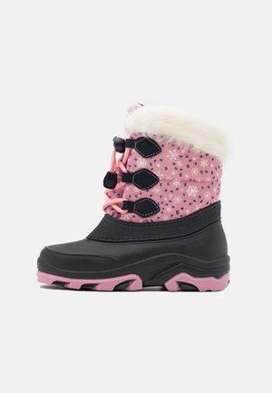 Botas para la nieve - pink