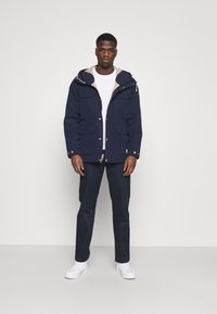 Wood Wood - MARCUS LIGHT TWILL TROUSERS - Chinos - navy - 1