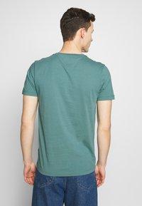 Tommy Hilfiger - TEE - T-shirt med print - green - 2