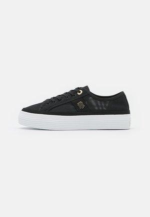 TH MESH VULC SNEAKER - Zapatillas - black