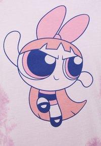 ONLY - ONLPOWER PUFF - T-shirt imprimé - white/pink tie dye - 2
