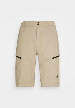 ICONIQ CARGO SHORTS - Sports shorts - true beige
