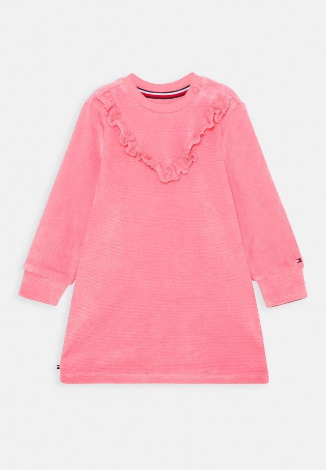 BABY VELOURS DRESS - Vardagsklänning - pink