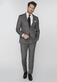 Van Gils - SPLIT BUCK SPLIT - Suit trousers - grey - 1