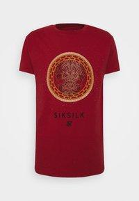 SIKSILK - LION TEE - T-shirt print - deep red - 4