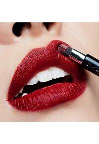 MAC - LIPSTICK - Lipstick - viva glam i - 2