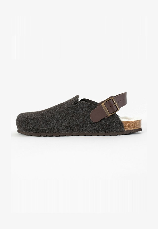 NOMA  - Clogs - brown