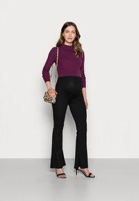 Missguided Maternity - SPLIT SIDE FLARES - Leggings - Trousers - black - 1