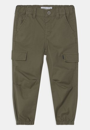 NMMBOB TWITUS  - Cargo trousers - ivy green