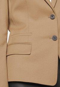 HUGO - ADIRE - Sportovní sako - pastel brown - 5