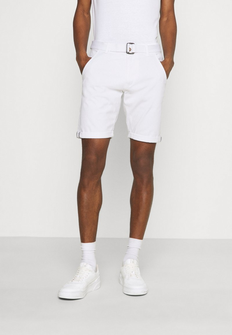 INDICODE JEANS - KAISER CHINO EXCLUSIV - Shorts - offwhite
