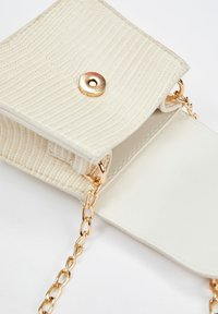 DeFacto - Across body bag - white - 3