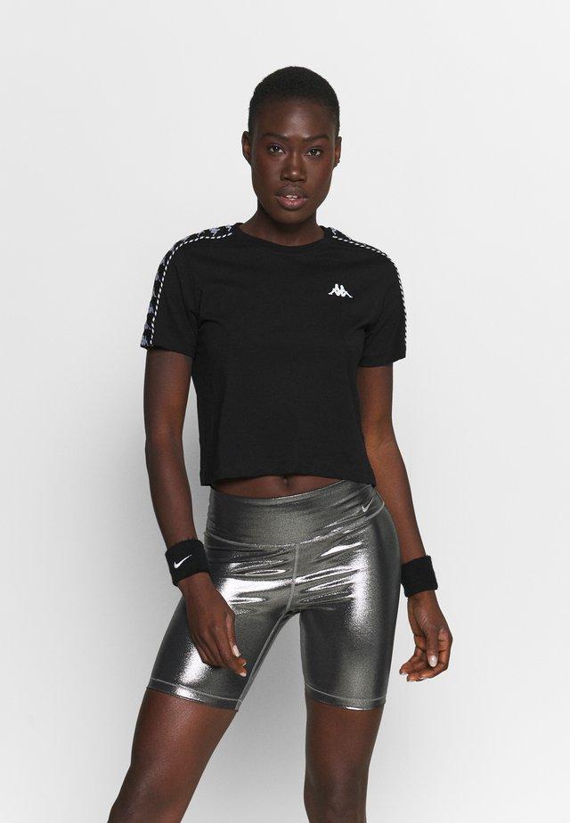 INULA - T-shirt print - caviar