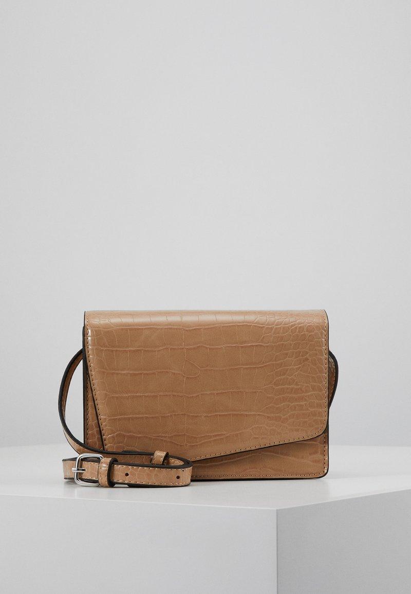 Even&Odd - Across body bag - beige