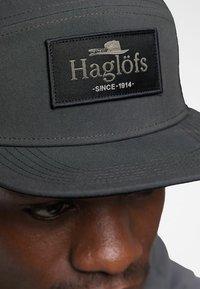 Haglöfs - TRUCKER CAP - Cap - magnetite - 2