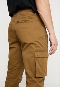 Only & Sons - ONSCAM STAGE CUFF - Cargo trousers - kangaroo - 5