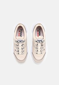 Tommy Jeans - LIGHTWEIGHT SHOE - Sneakers laag - smooth stone - 5