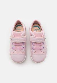 Geox - KILWI GIRL - Zapatillas - pink - 3