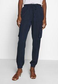 TOM TAILOR DENIM - SOFT UTILITY TRACK PANTS - Broek - real navy blue - 1