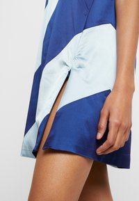 House of Holland - MUTED PANELLED SLIT DRESS - Day dress - blue/navy - 5