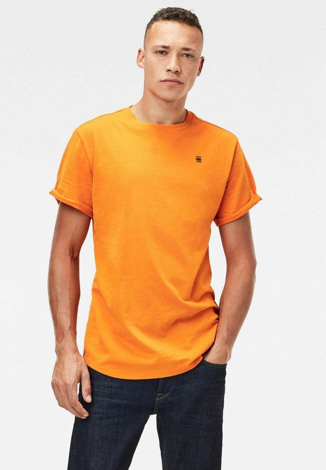 LASH - Basic T-shirt - bright carrot