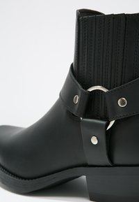 Kentucky's Western - Cowboy/biker ankle boot - black - 5