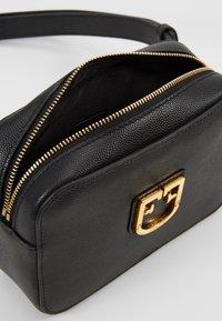 Furla - BELVEDERE BELT BAG - Bum bag - onyx - 4