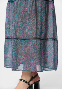 Apart - DRESS WITH VOLANTS - Maksimekko - petrol/multicolor - 4