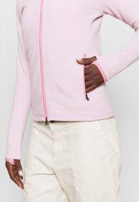 Peak Performance - CHILL ZIP HOOD - Fleece jacket - cold blush - 5