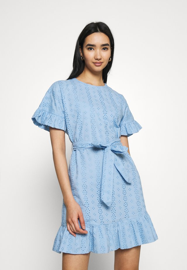 BEAU BROIDERIE ANGLAISE DRESS BLUE - Korte jurk - blue