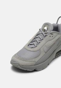 Nike Sportswear - AIR MAX 2090 - Sneakers - wolf grey - 4