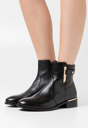 ALLISA - Bottines - black