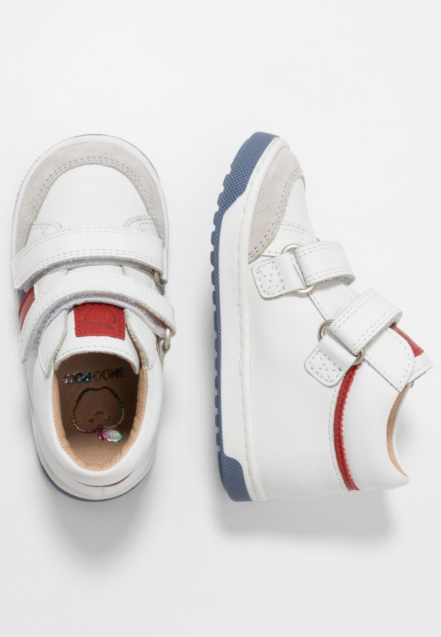 OOPS USA - Babyschoenen - white/denim/red