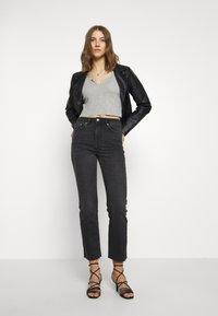 Gina Tricot - YLVA KICKFLARE  - Flared jeans - offblack - 1