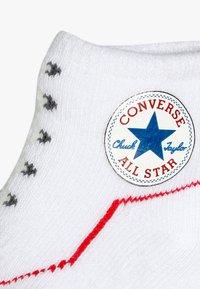 Converse - HAT BOOTIE BABY SET - Czapka - white - 2